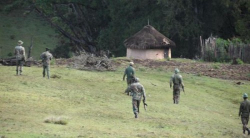guards-approach-a-homestead-1